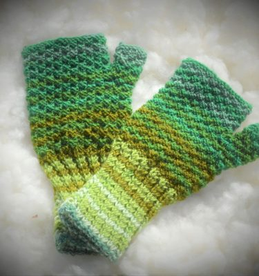 [:ro]Mănuși scurte împletite fără degete 02[:en]Knitted fingerless short gloves 02[:]