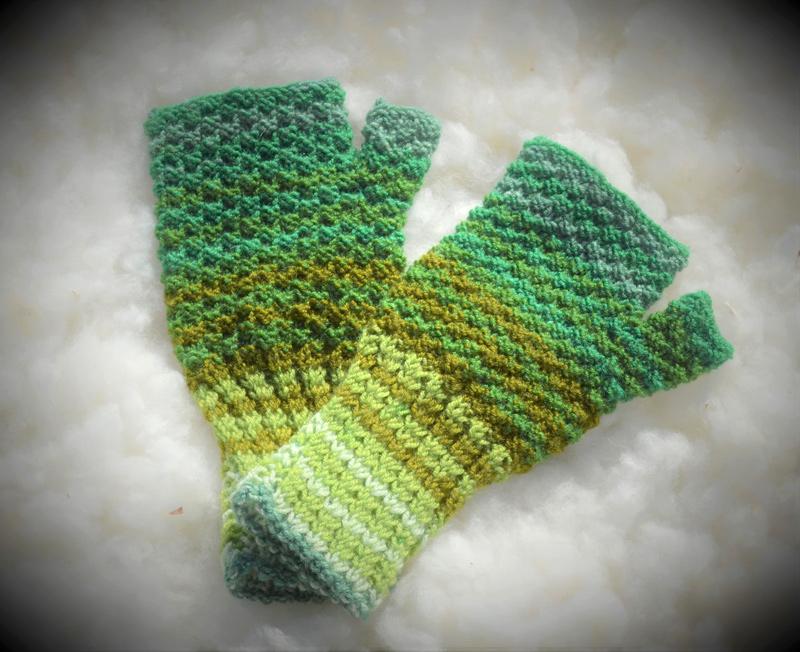 [:ro]Mănuși scurte împletite fără degete 02[:en]Knitted fingerless short gloves 02[:]