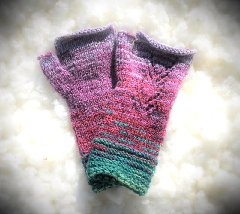[:ro]Mănuși scurte împletite fără degete 03[:en]Knitted fingerless short gloves 03[:]